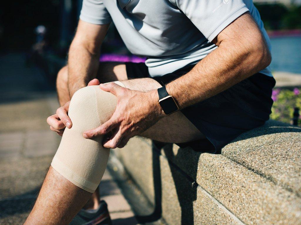 closup on the knee